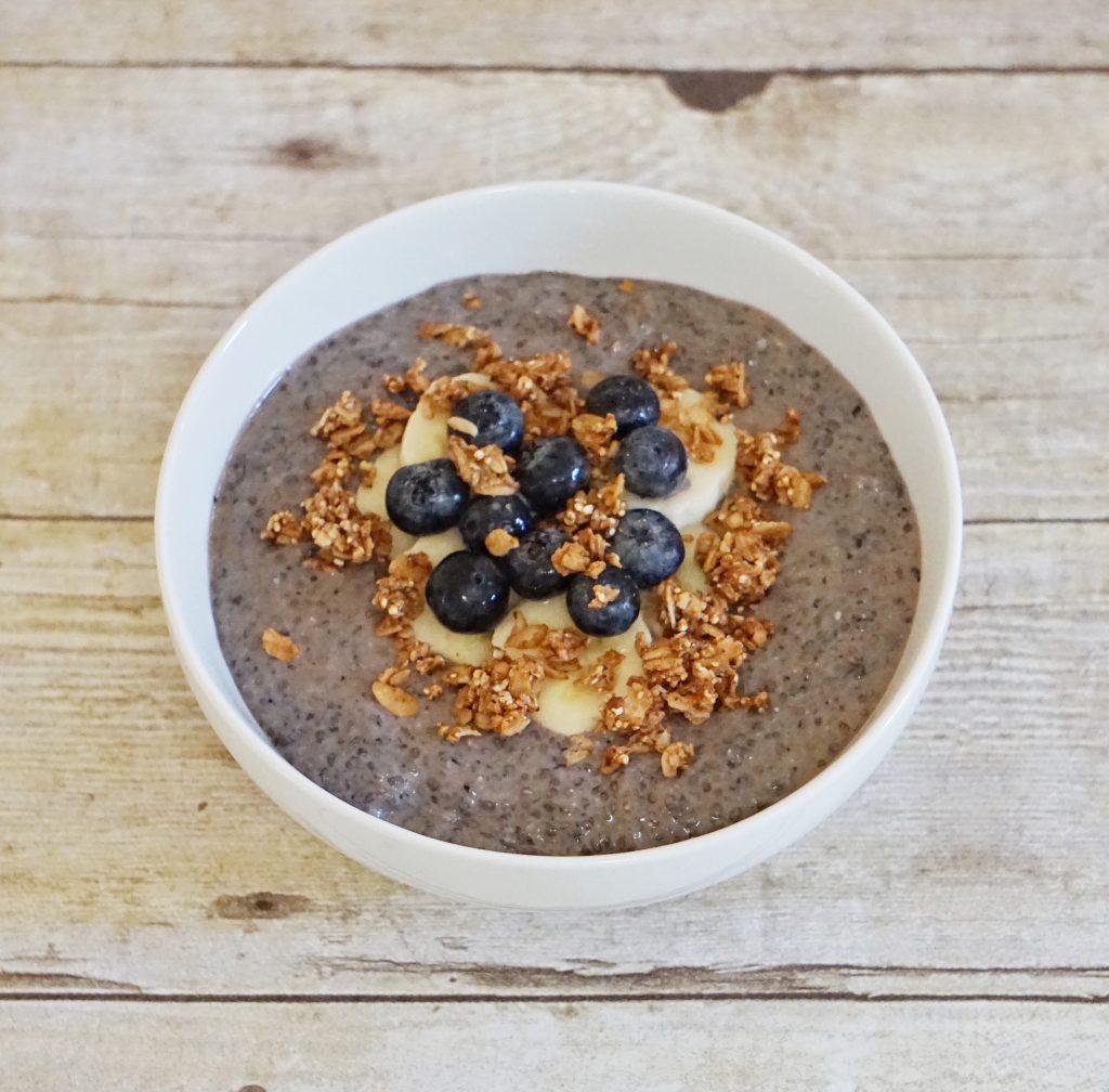 B Chia Breakfast Bowl Leahs Plate 1024x1008 - Blueberry Chia Breakfast Bowl