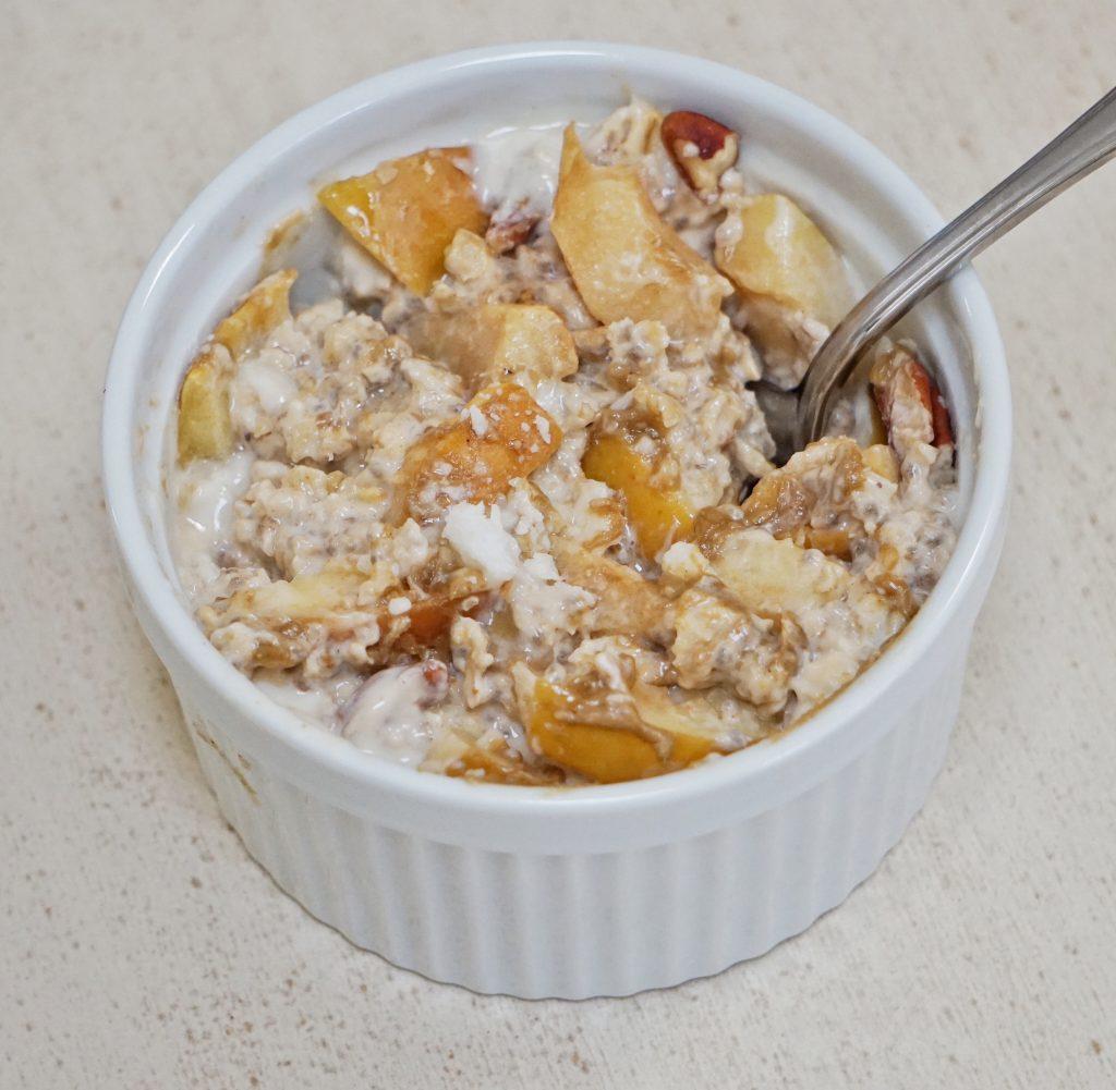 Apple Cobbler Baked Oatmeal // Leah's Plate