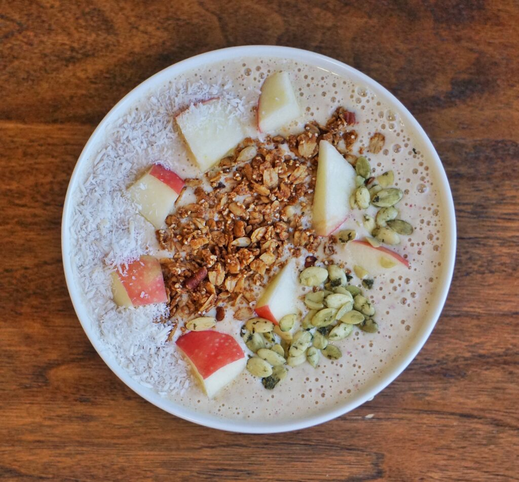 Apple Oatmeal Smoothie Bowl Leahs Plate1 1024x950 - Apple Oatmeal Smoothie Bowl