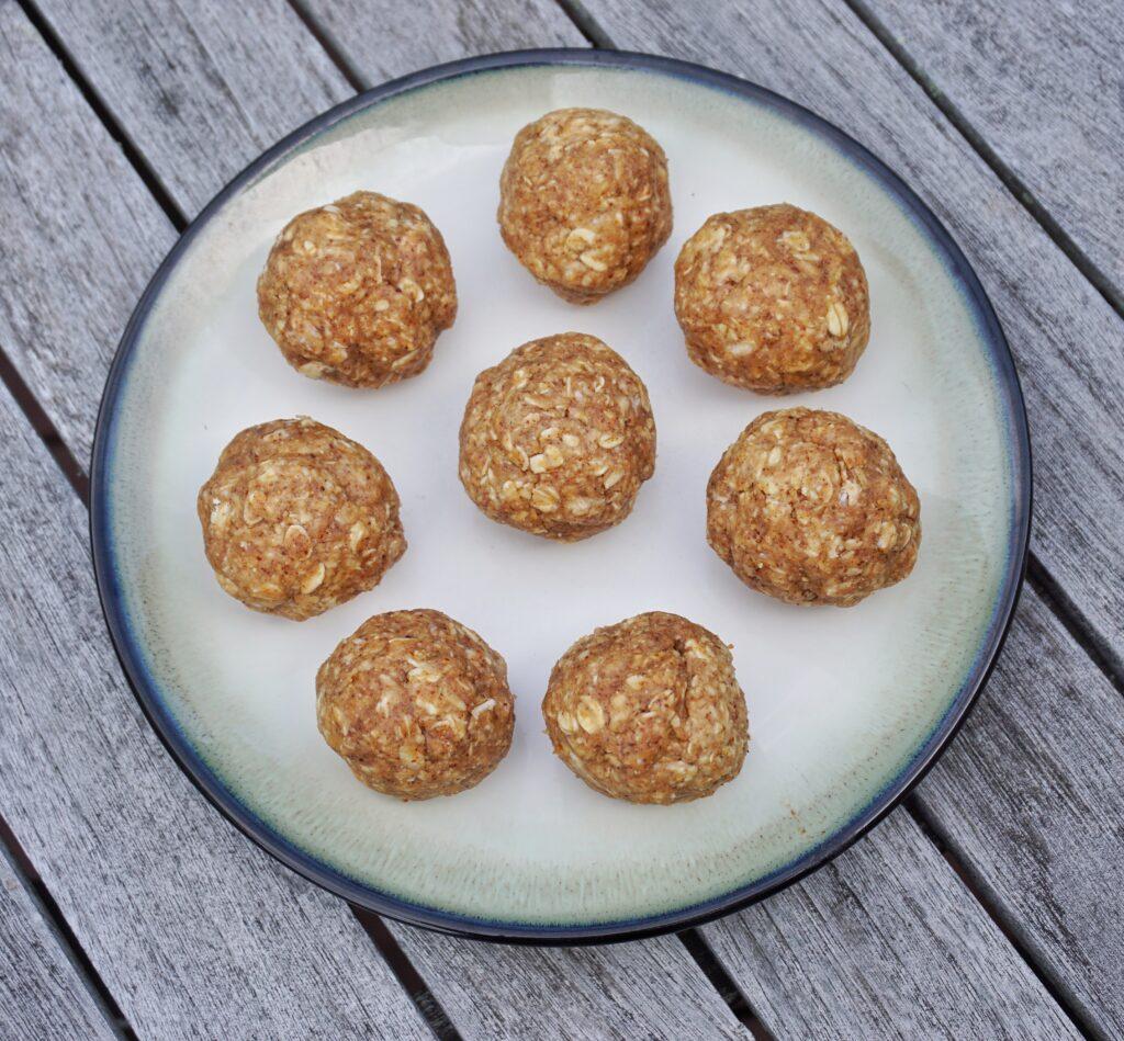 No Bake Almond Butter Oat Energy Balls Leahs Plate4 1024x949 - No Bake Almond Butter Oat Energy Balls