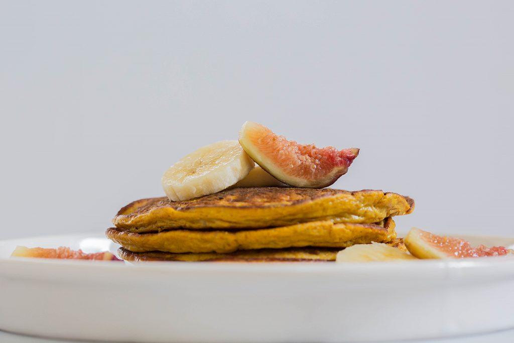 Flourless Paleo Pumpkin Pancakes by Leahs Plate6 1024x683 - Paleo Pumpkin Pancakes