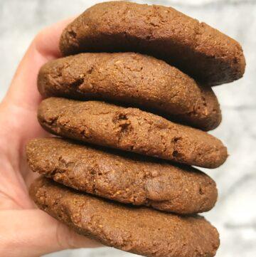 Flourless Cinnamon Molasses Cookies (Paleo)