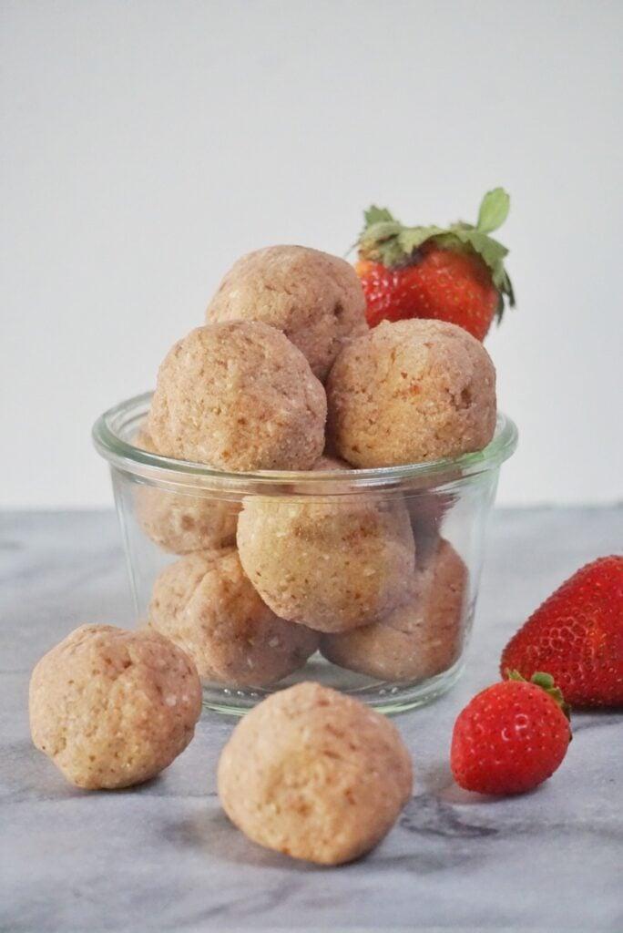 Strawberry Cheesecake Truffle Bites by Leahs Plate3 684x1024 - No Bake Strawberry Cheesecake Truffles Bites (Vegan & Gluten Free)
