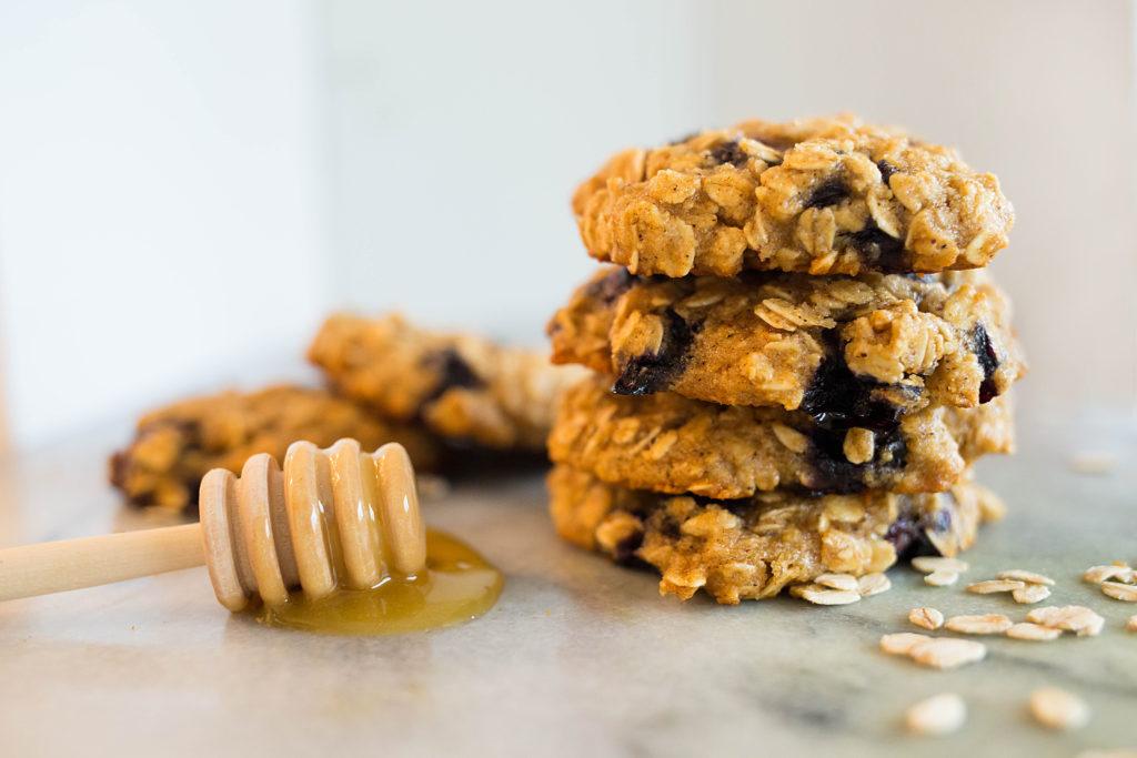Blueberry Oatmeal Cookies 1024x683 - Blueberry Honey Oat Breakfast Cookies (Gluten-Free)