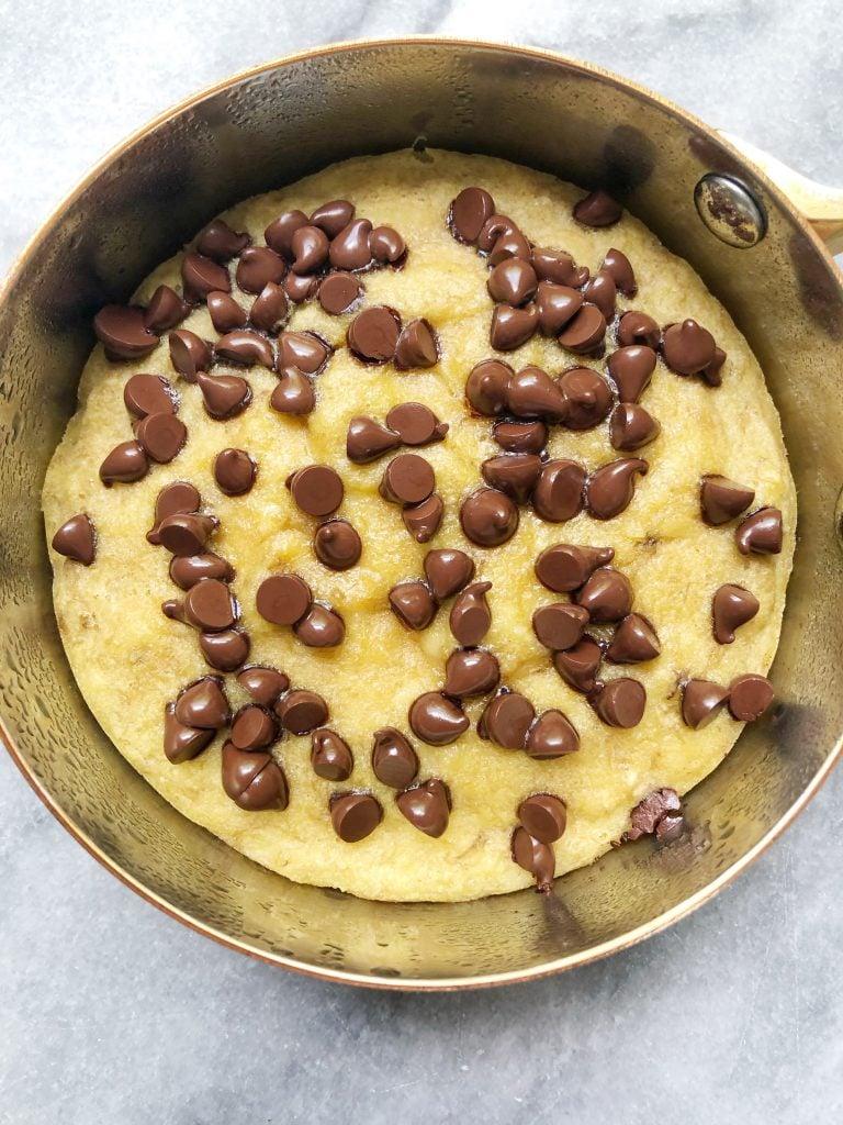 Chocolate Chip Banana Bread Skillet Cake2 768x1024 - Mini Chocolate Chip Banana Bread Skillet Cake (Paleo)