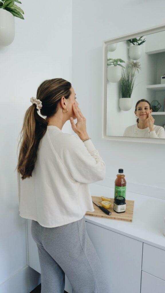 Brightening Turmeric & Manuka Honey Face Mask