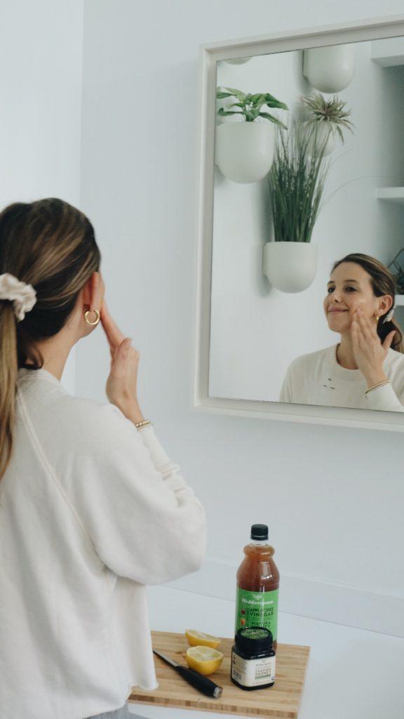 face mask3 576x1024 - Brightening Turmeric & Manuka Honey Face Mask
