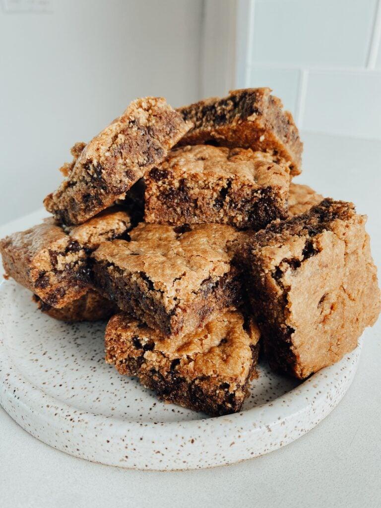 Almond Flour Chocolate Chip Cookie Bars 768x1024 - Almond Flour Chocolate Chip Cookie Bars